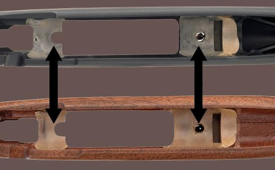 osadzenie lufy oraz zamka w dwóch punktach łoża, na przodzie i tyle